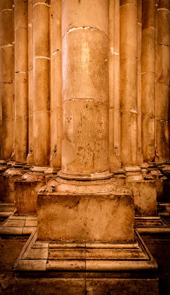 Perfect Columns