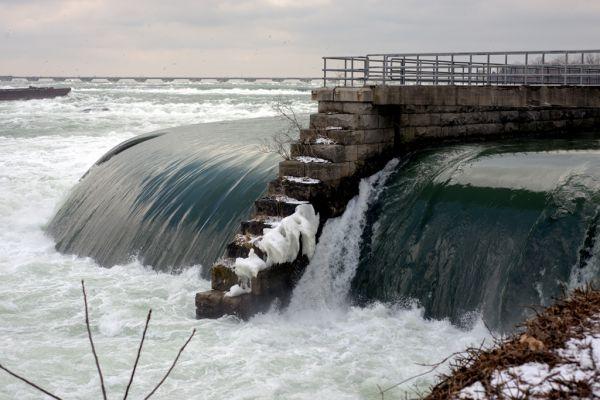 Cberdugo_Niag Falls_1
